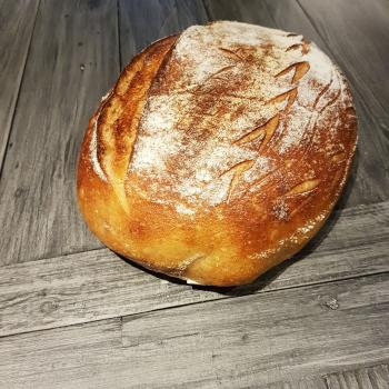 Fievel Country Loaf first slice