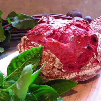 JZB-1-TB Sourdough bread with beetroot and basil leafs first overview