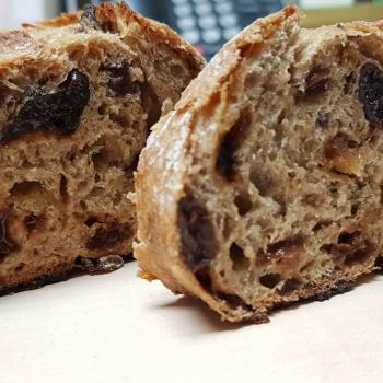 Mang Collar's Sourdough Speija Bread (Fruit Bread) second overview
