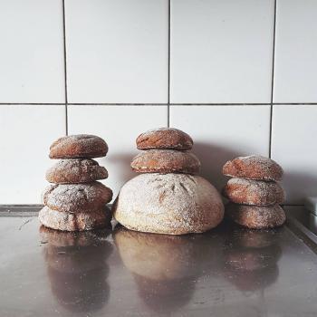 Råghilde Rye buns, Banana bread, sourdough crackers  first slice