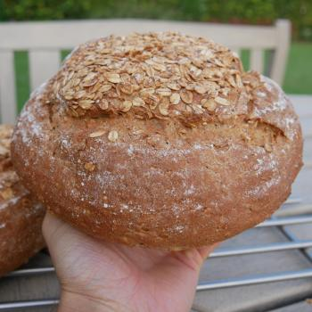 Roger Oatmeal Sourdough Bread second overview