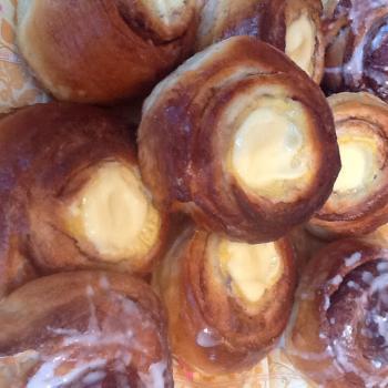 Solveig Norwegian Cinnamon & Cardamom Buns second overview