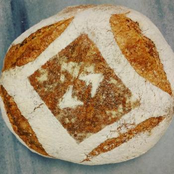 Tam buğday ekşimaya Tartine bread first slice